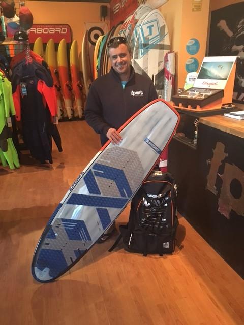 kitesurfing-wave-lpwindsurf-gran-canaria
